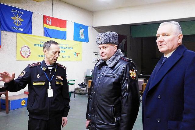 Генерал-майор полиции Александр Нестеренко посетил стрелковый клуб ДОСААФ