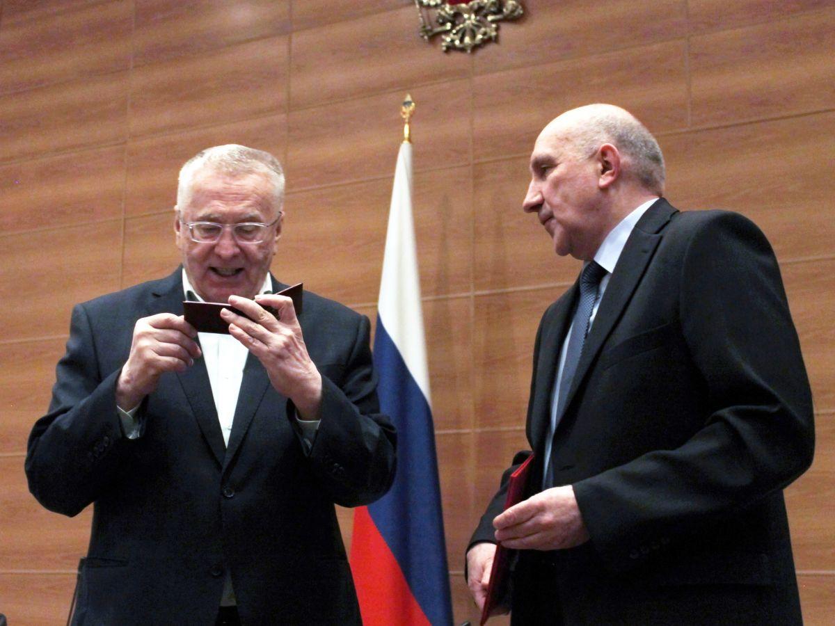 Лидер фракции ЛДПР Владимир Жириновский восстановил членство в ДОСААФ