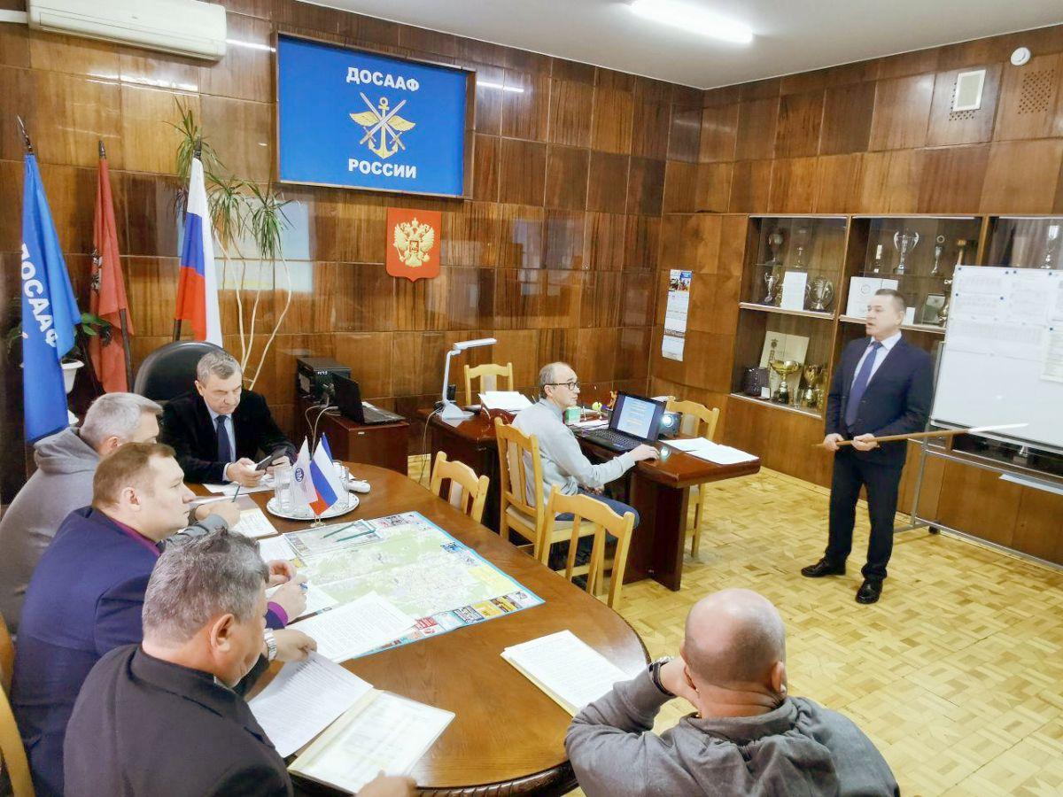 Александр Колмаков посетил Центральный автомотоклуб и подольскую автошколу ДОСААФ