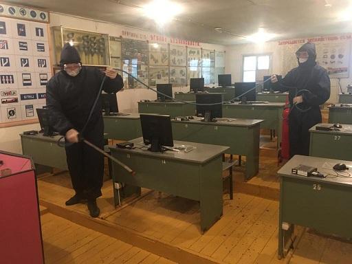 Специалисты МЧС провели дезинфекцию в организациях ДОСААФ Дагестана