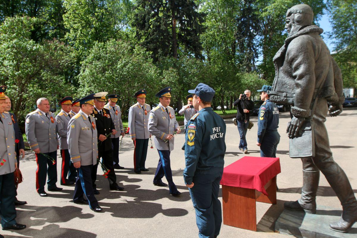 В ДОСААФ России чествовали ветеранов на праздничном обеде