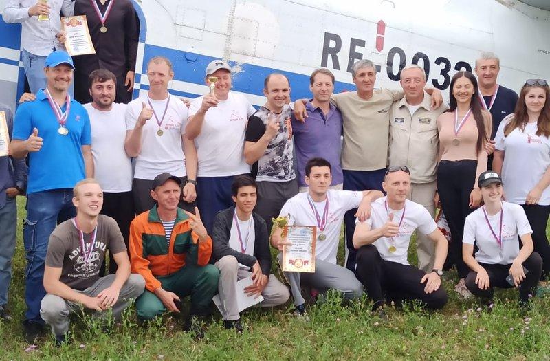 Спортсмены аэроклуба ДОСААФ Ингушетии победили на соревнованиях по парашютному спорту